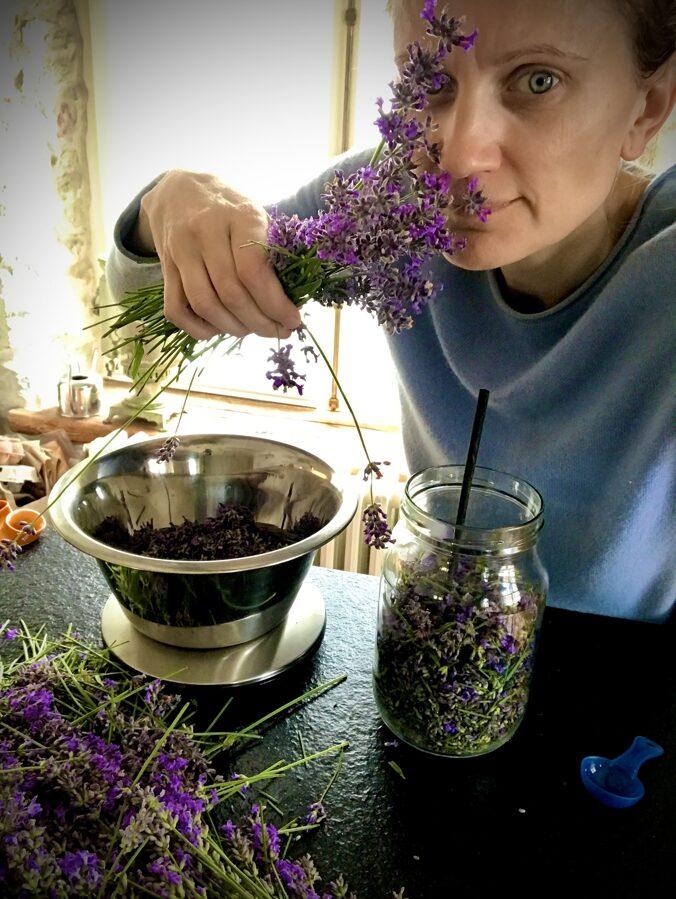 Saialille-lavendliõli salv